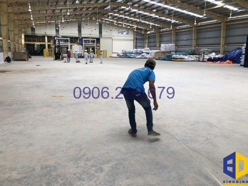 cách thi công sơn sàn Epoxy cho nhà xưởng giá rẻ