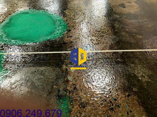 Cách xữ lý nền epoxy bị nhiễm dầu